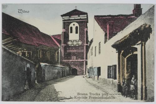 wilno-brama-trocka-przy-b-kosciele-franciszkanskim-0